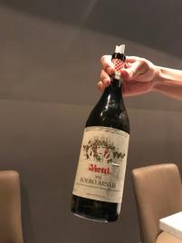 白袍的秘訣就是以技術資料為主,因為客觀的文字、數據才是幫助大眾更認識葡萄酒的捷徑。